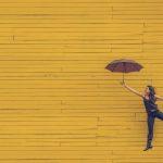 銀行は晴れの日にしか傘は貸さない!